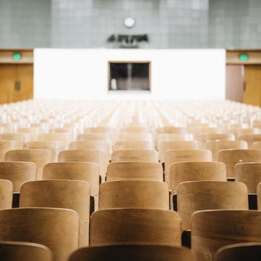 Technik & Gesellschaft | Zukunft denken- universitäre Herausforderungen? Vier Rektor_innen im Gespräch mit dem OIAV